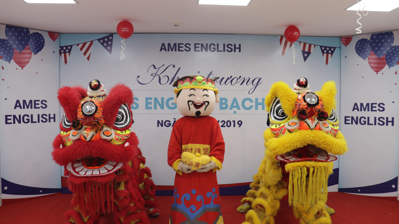Tưng bừng khai trương Ames English Bạch Mai