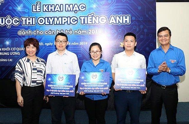 Cán bộ trẻ cả nước hào hứng tham gia cuộc thi Olympic Tiếng Anh lần đầu tổ chức