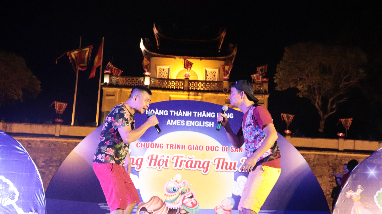 Trẻ em Hà Nội hân hoan cùng Xuân Bắc, Tự Long trong đêm Trung thu lớn nhất Hà Nội do AMES ENGLISH tổ chức
