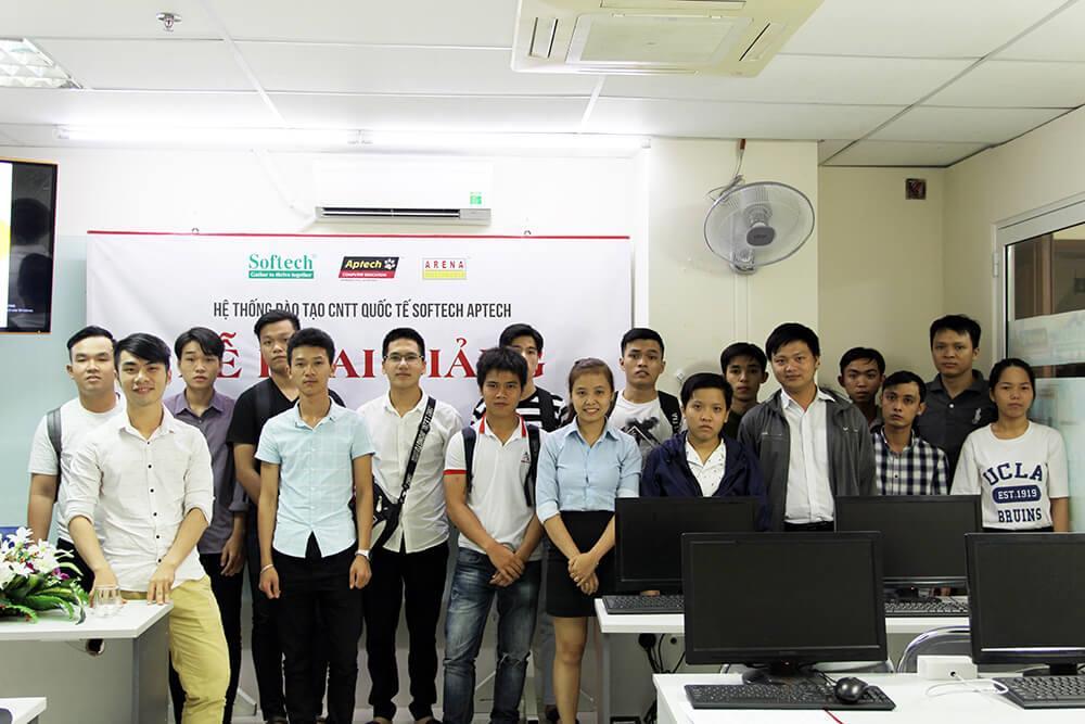 Khai giảng lớp Lập trình viên Quốc tế Batch 140
