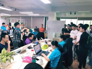 Học viên Softech Aptech tham quanNeolab Việt Nam