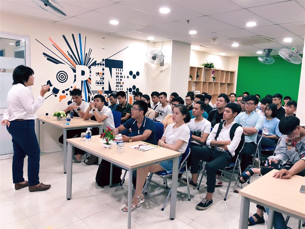"""HỘI THẢO CHUYÊN ĐỀ: Workshop """"sẵn sàng cho sự nghiệp & tương lai cùng Aptech"""""""