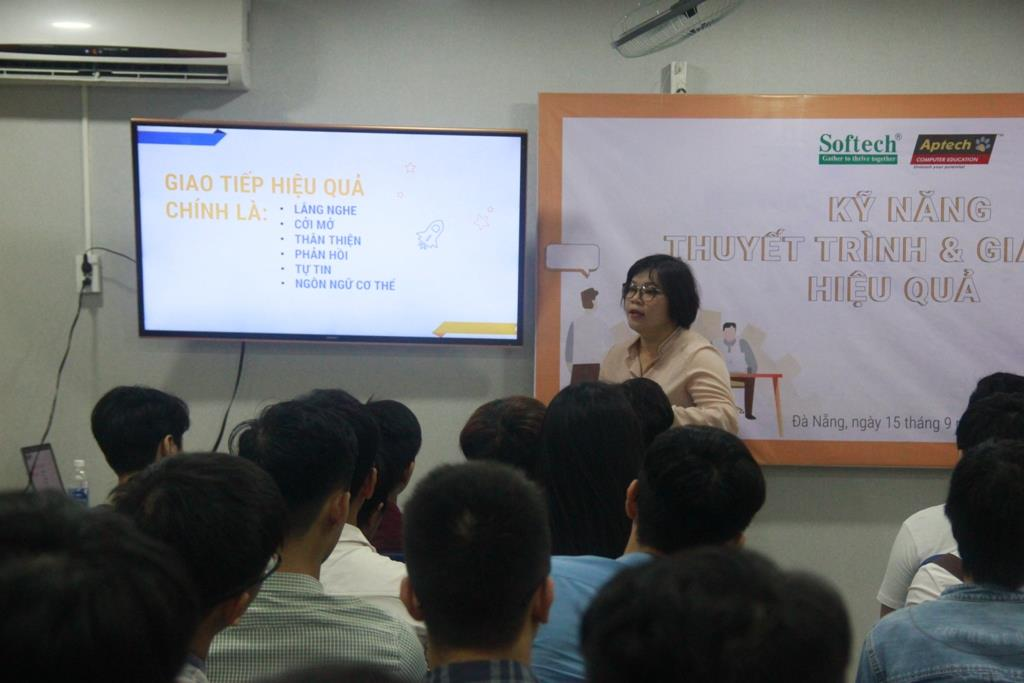 """Workshop """"Kỹ năng thuyết trình và giao tiếp hiệu quả"""""""