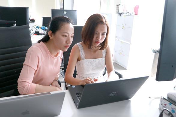 Những cô gái 'trót yêu' công nghệ