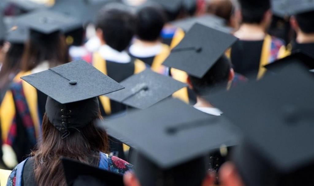 Đại học suy cho cùng cũng chỉ là một con đường mà thành công thì không giới hạn hướng rẽ