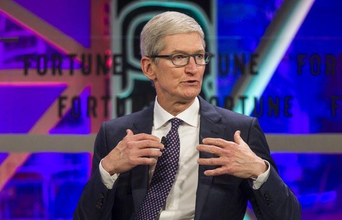 Thiếu hụt lập trình viên, Apple mở chiến dịch dạy lập trình Swift cho học sinh trung học và tiểu học tại Chicago